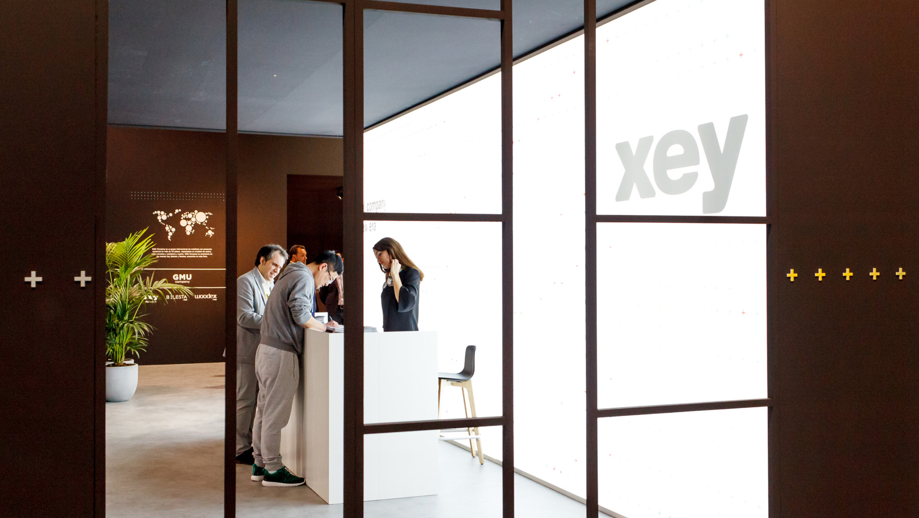 XEY-STAND3